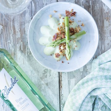 Spargel Pana Cotta mit Bacon Crumble